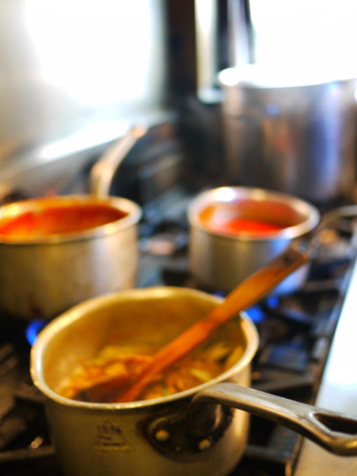 ④じっくりコトコト煮込んだソース類